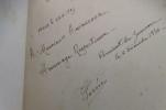 SUR LES TRACES de CHARLES DE FOUCAULD. (avec un envoi de l'auteur).. R. P. Georges Gorrée