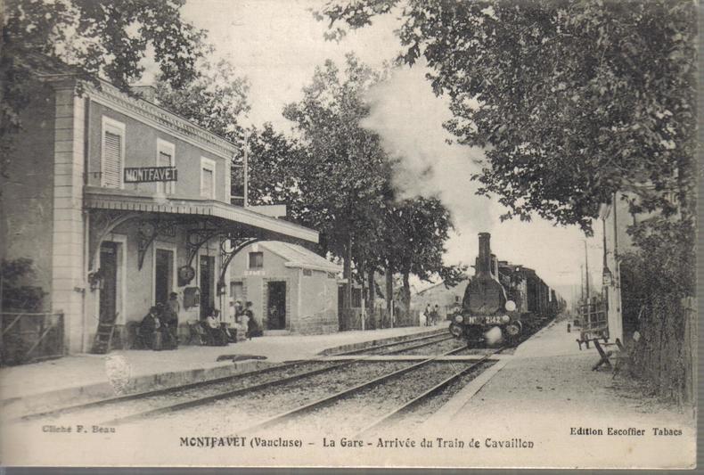 La Gare - Arrivée du train de Cavaillon. ANONYME