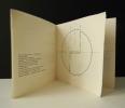 LE CERCLE ET L'ANGLE DROIT. Invitation. Plaquette  publiée à l'occasion de l'exposition des Reliefs. Travaux sur papier chez Gilbert Brownstone en ...