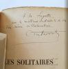 Les solitaires. Roman de mœurs contemporaines. Savarit C.-M. .