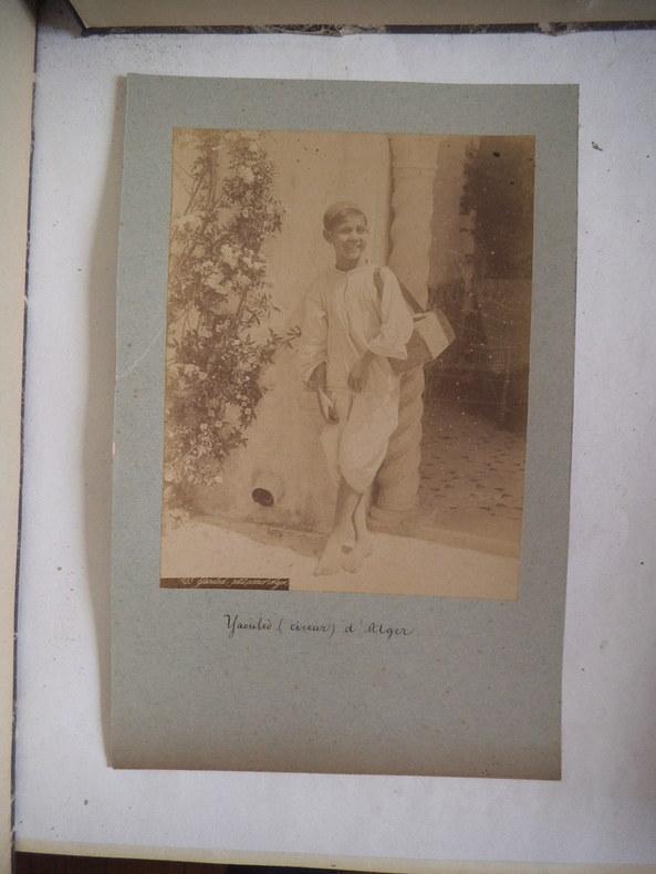 Yaouled cireur d'Alger . Alexandre LEROUX