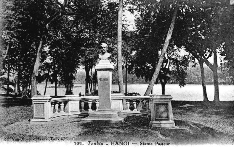 TONKIN , Hanoi, statut Pasteur. Viet-nam