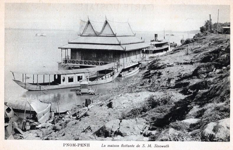 PNOM-PENH , la maison flotante de S.M. Sisowath. . Cambodge