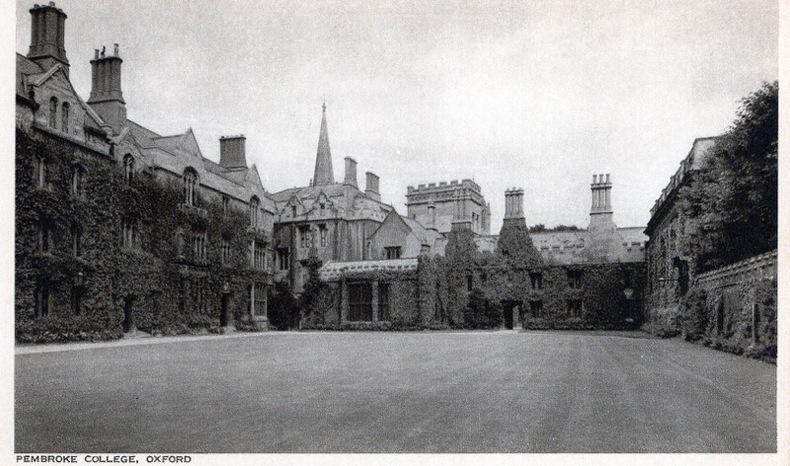 OXFORD , Pembroke College, . Angleterre