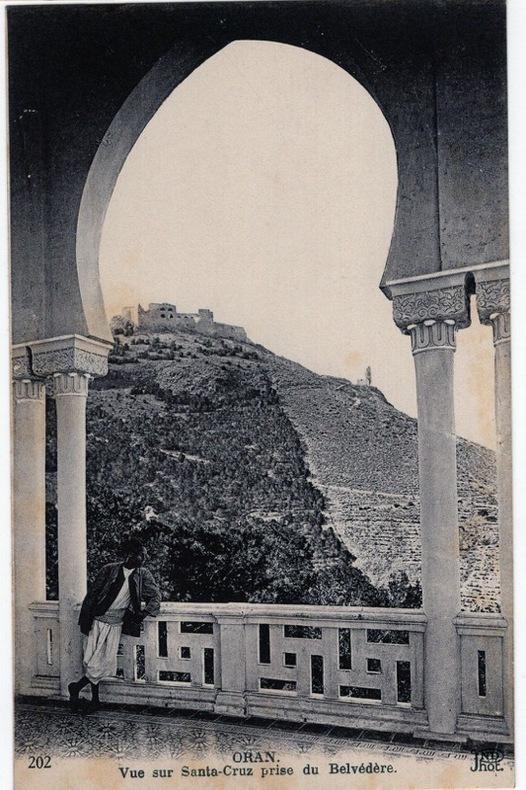 ORAN , Vue sur Santa Cruz prise du Belvédère . Algérie