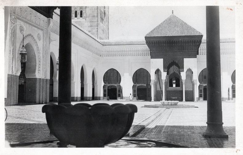 CASABLANCA , La nouvelle mosqu e, vue d'une cour intérieure. Maroc