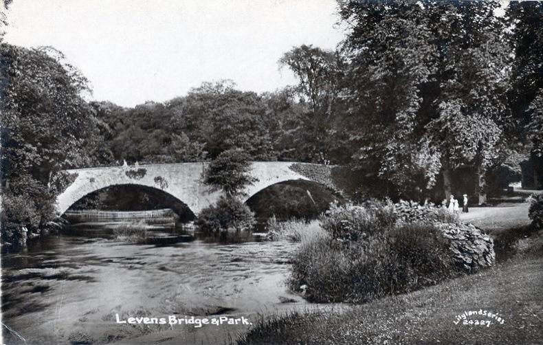 LEVENS , Bridge & Park. Angleterre