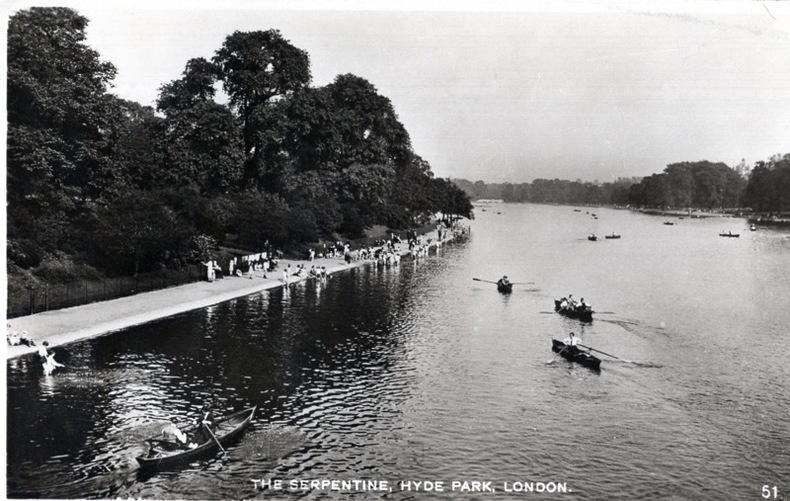 LONDON , The Serpentine, Hyde Park ,. Angleterre