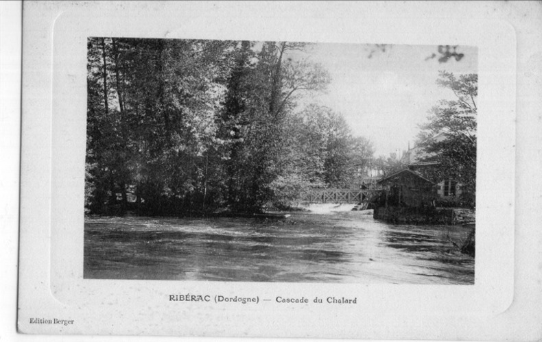 RIBERAC , Cascade du Chalard. Dordogne