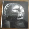 """""""Afrikanische Skulpturen Bescheibender Katalog - African Sculpture A Descriptive Catalogue"""". """"Elsy Leuzinger"""""""