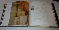 Victor Horta à Bruxelles. Photographies de Christine Bastin & Jacques Evrard Éditions Racine. 1996.. AUBRY, Françoise - BASTIN, Christine - Evrard, ...