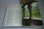 Glossaire de termes techniques à l'usage des lectuers de la Nuit des Temps. 3e édition revue et corrigée. Zodiaque. La pierre qui vire. 1983.. VOGÜÉ, ...