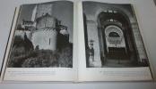 Le préroman. Texte français de N. nidermillee et Monqiue Theis. L'architecture en Europe. Paris. Hachette. 1968.. BUSH, Harald -  LOHSE, Bernd - ...