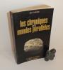 Les chroniques des mondes parallèles. Collection les énigmes de l'univers. Robert Laffont. Paris. 1974.. TARADE, Guy