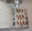 Le costume et les armes des soldats de la guerre de tous les temps. Paris. Casterman. 1966-1967.. FUNCKEN, Fred et Liliane