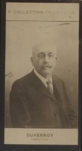 Photographie de la collection Félix Potin (4 x 7,5 cm) représentant : Alphonse Duvernoy, virtuose et compositeur. Début XXe.. DUVERNOY (Alphonse) - ...