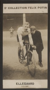 Photographie de la collection Félix Potin (4 x 7,5 cm) représentant : Thorwald Ellegaard, champion cycliste.. ELLEGAARD (Thorwald) - (Photo de la 2e ...