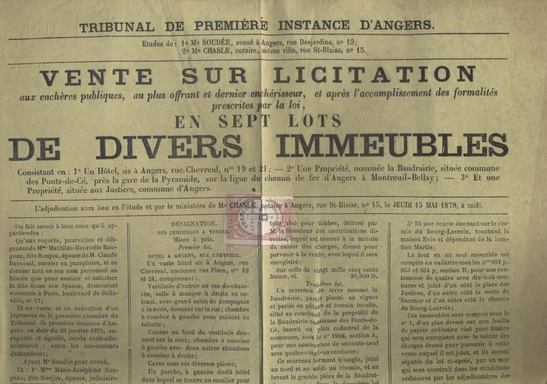 Affiche de notaire pour la vente de diverses propriétés à Angers et alentours, dont un vaste Hôtel rue Chevreul, numéros 19 et 21. Affiche imprimée ...