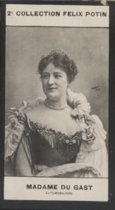 Photographie de la collection Félix Potin (4 x 7,5 cm) représentant : Mme Du gast Camille, automobilisme.. DU GAST (Camille) - (Photo de la 2e ...