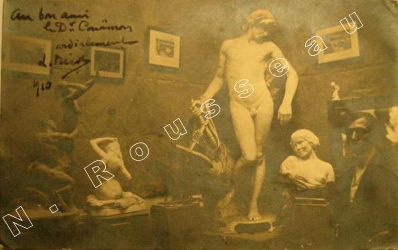 Lettre autographe signée au verso d'une carte postale photo représentant ses oeuvres.. NICOT, Louis Henri ( 1878 - 1944), sculpteur, céramiste, ...