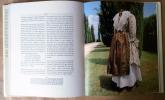 En Jupon Piqué et Robe d'Indienne.. Biehn (Michel).