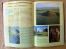 L'Architecture Sacrée. Postface de marie-Madeleine Davy.. Humphrey (Caroline) et Vitebsky (Piers).