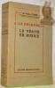 A la recherche de la vérité en Russie. Traduit par J.Taste. Avec 14 reproductions photographiques et une carte itinéraire.. CITRINE, (Sir) Walter.