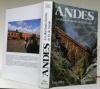 Les Andes. Les plus hauts chemins de fer du monde. Textes de Francesco Ogliari, Emilio Magni, Gerd Heussler.. PIFFERI, Enzo.