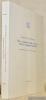 Vita e costumi di Guido d'Arezzo, teorico e pedagogo musicale. Traduzione italiana a cura du Silvia Copello.. WAESBERGHE, Joseph Smith van.