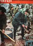 Paris Match N° 941 . 22 Avril 1967 . Spécial Marée Noire , Les Bretons Mobilisent Devant Le Fléau Qui Vient De La Mer  , La Plage De Port Blanc . ...