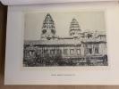 La Ville au Bois dormant. De Saïgon à Ang-Kor en Automobile avec 89 illustrations dans le texte et hors-texte d'après les photographies de l'auteur et ...
