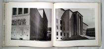Italia & France Vedute / Vues 1978-1985; A cura di / Sous la direction de Giovanni Chiaramonti; Presentazione di / Présentation de Carlo Bertelli. ...